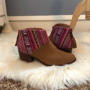 TOMS Leila Bootie Aztec Ankle Boot Size 9